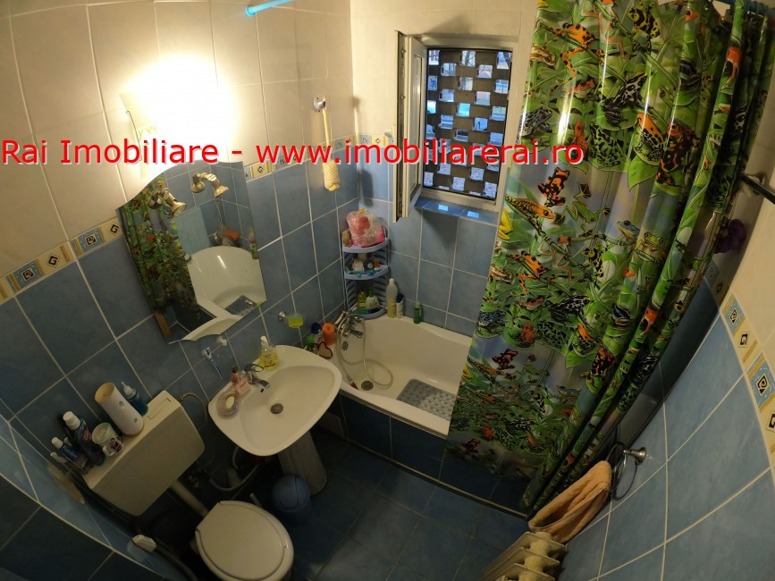 www.imobiliarerai.ro - Vanzare apartament 4 camere